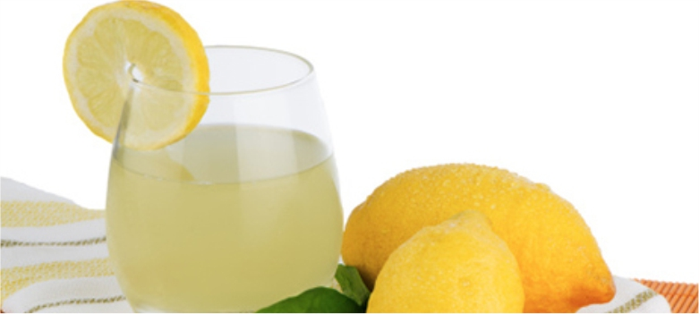 Lemon-juice-is-used-to-Reduce-Dark-Spots-from-your-face-with -Easy-Tips