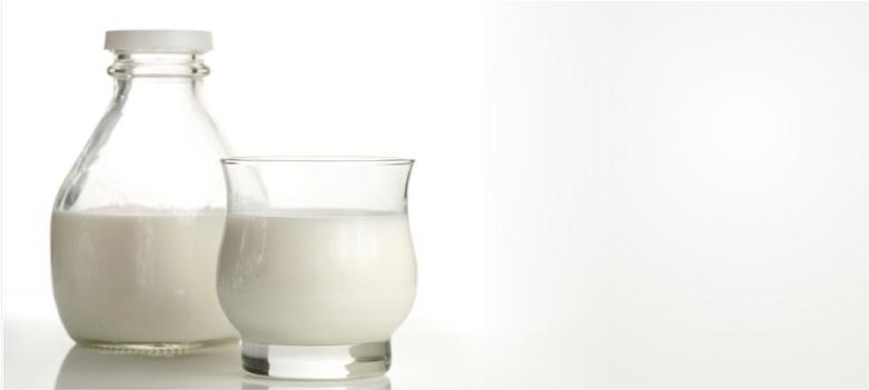 Milk-for-dark-circle-removal
