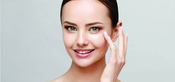 Tips-to-Lighten-Dark-under-Eye-Circles-Roop-Mantra