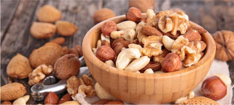 eat-nuts-and-dry-fruits-for-glowing-skin