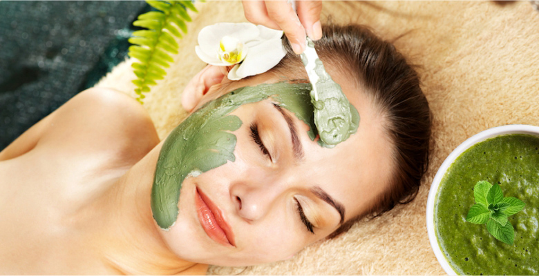 A-paste-of-Mint-Leaves-for-Acne-and-scares-spot-removal