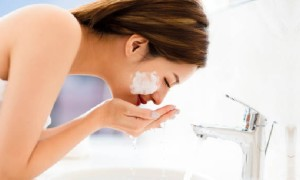 Common Face Cleansing Mistakes You Must Avoid Making
