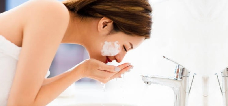 Common-Face-Cleansing-Mistakes-You-Must-Avoid-Making -blog