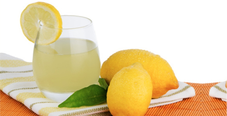 Lemon-Juice-are-use-to-Get-Rid-of-Blemishes
