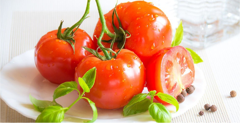 Restore-Your-Skin's-Health-with-Antioxidant-Dose-with-Tomatoes