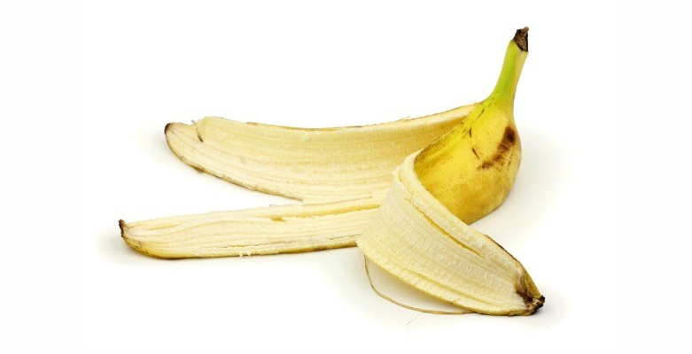 Use-Banana-Peel-to-Get-Rid-of-Blemishes