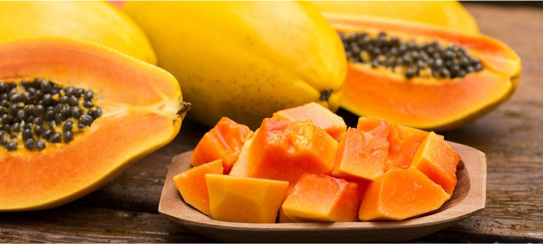Eat-lots-of-Papaya-to-Get-a-Smooth-Skin