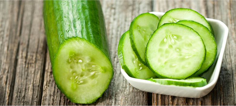 Use-Cucumber-to-Get-a-Smooth-Skin