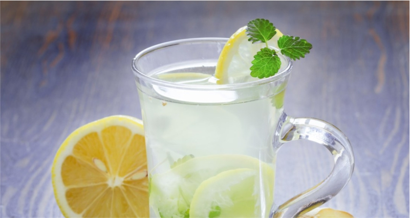 Use-Lemon-Juice-to-Get-a-Wrinkle-Free-Skin-Naturally