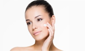 Best Natural Moisturizers for Taking Care of Your Oily Skin