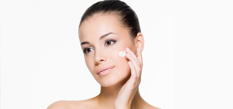 Best-Natural-Moisturizers-for-Taking-Care-of-Your-Oily-Skin-blog1