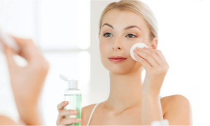 How to Control Oil Secretion on Face with Natural Ways ?