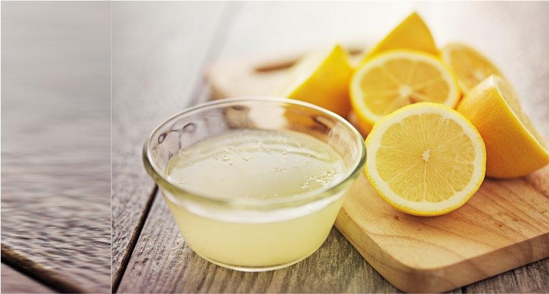 Unclog-the-Skin-Pores-Using-Lemon