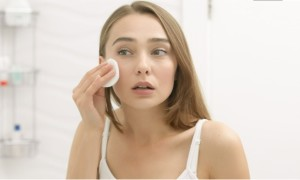 How to Take Care of Sensitive Skin Type with Natural Ways