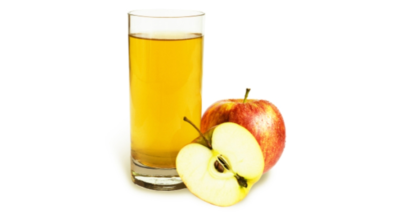 Drink-Apple-Juice-for-a-Healthy-and-Glowing-Skin