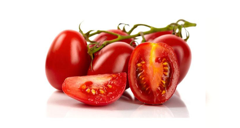 Eat-Tomatoes-in-salad-oruse-in-your-diet-to-Remove-Blackheads