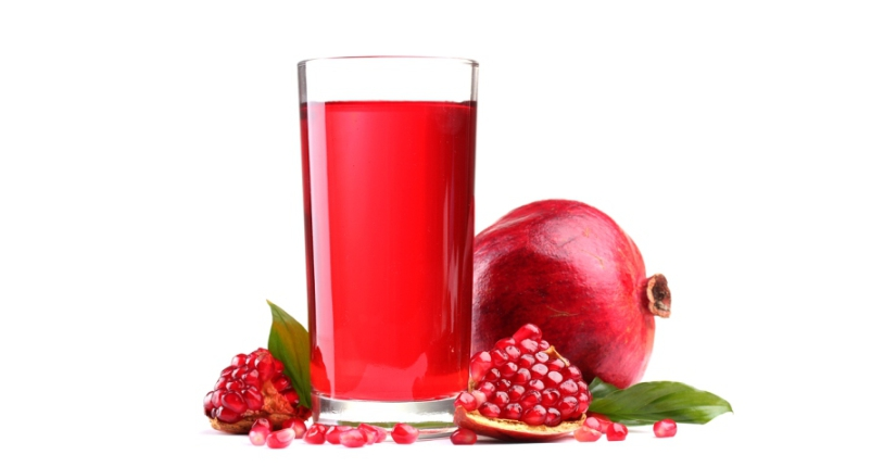 Pomegranate-Juice-for-a-Healthy-and-Glowing-Skin