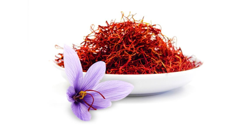 Saffron–Improves-Skin-Tone-to-Get-Flawless-and-Glowing-Skin